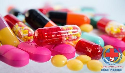Tại sao nam giới không nên sử dụng thuốc trị xuất tinh sớm?